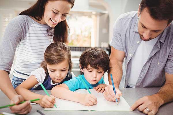 7 เทคนิคสอนลูกให้เก่งภาษาอังกฤษตั้งแต่เด็ก ลองฝึกตามได้เลย!