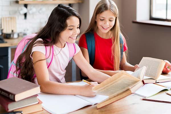 Bilingual Kids: เรียนภาษาตั้งแต่เด็ก ได้มากกว่าแค่ภาษา